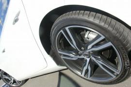2017 MY18 Volvo V40 M Series T5 R-Design Hatchback