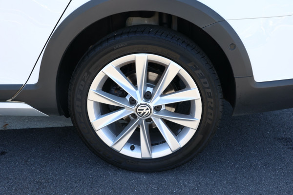 2017 Volkswagen Golf 7.5 MY17 Alltrack Wagon Image 5