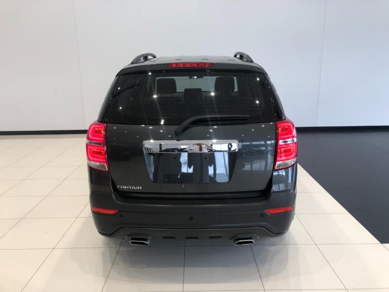 2016 Holden Captiva CG Active 2wd wagon Image 5