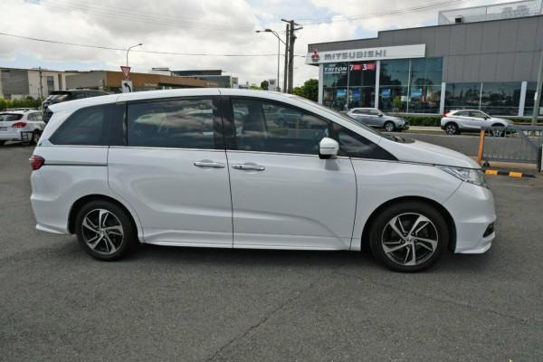 2014 Honda Odyssey 5th Gen VTi-L Wagon Image 4