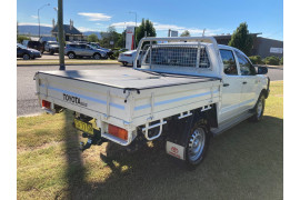 2015 MY14 Toyota HiLux KUN26R Turbo SR Cab chassis Image 4