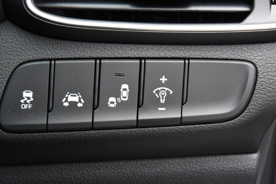 2019 Hyundai i30 PD2 Premium Hatchback Image 18