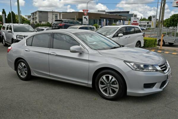 2013 Honda Accord 8th Gen VTi Sedan Image 5