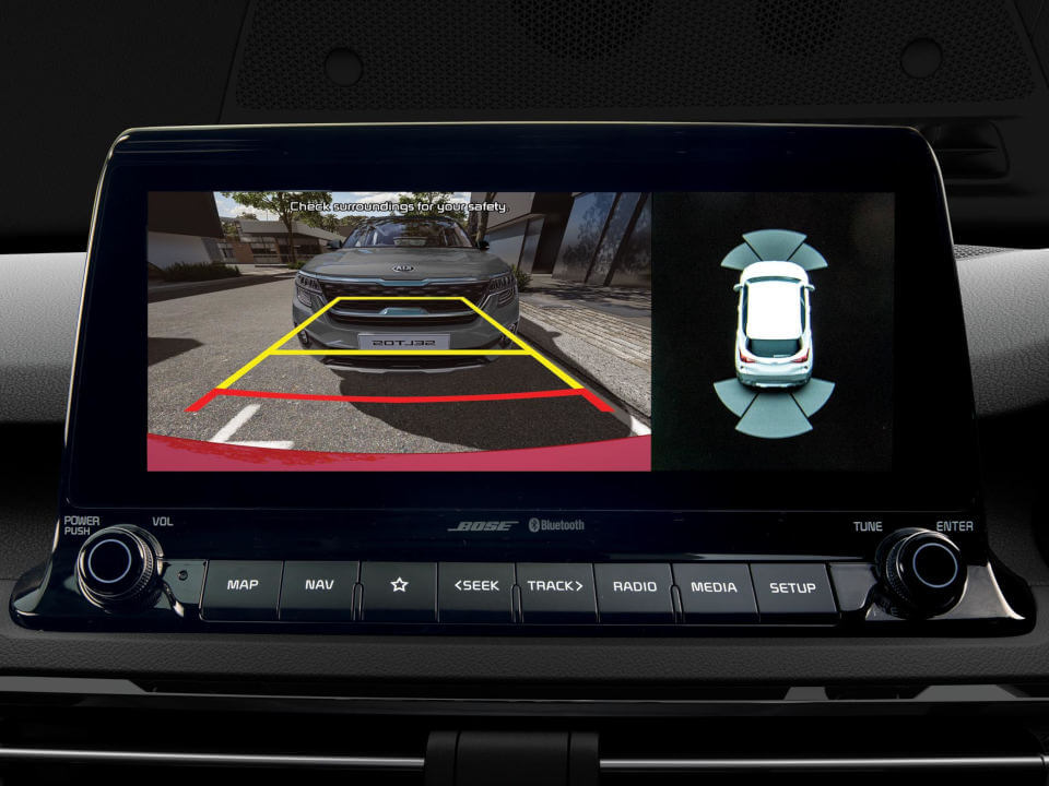 Reversing Camera with Dynamic Guidelines