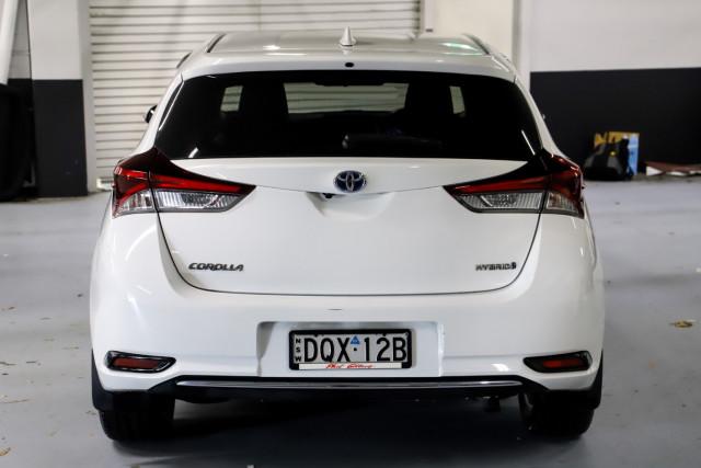 2017 Toyota Corolla Hatchback Image 5