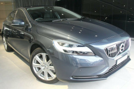 Volvo V40 T4 Cross Country Pro M Series