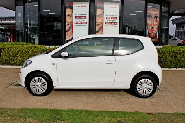 2013 Volkswagen Up! Type AA  Hatchback Image 5