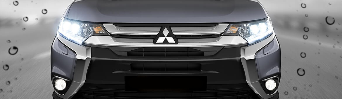 Front view of the Mitsubishi Outlander in Titanium Silver.
