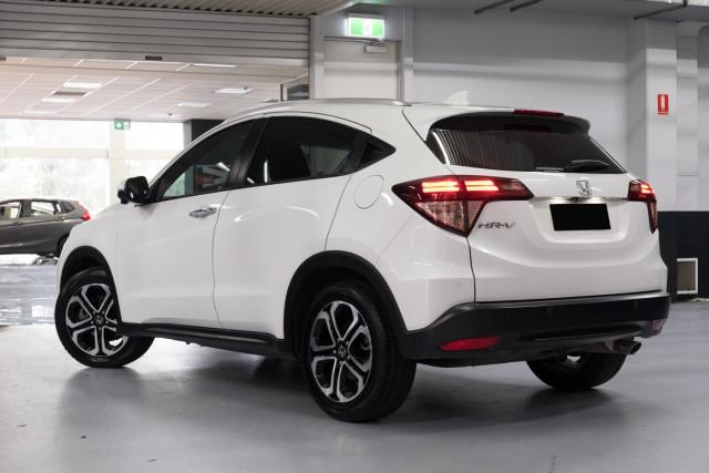 2016 Honda HR-V VTi-L Hatchback Image 2