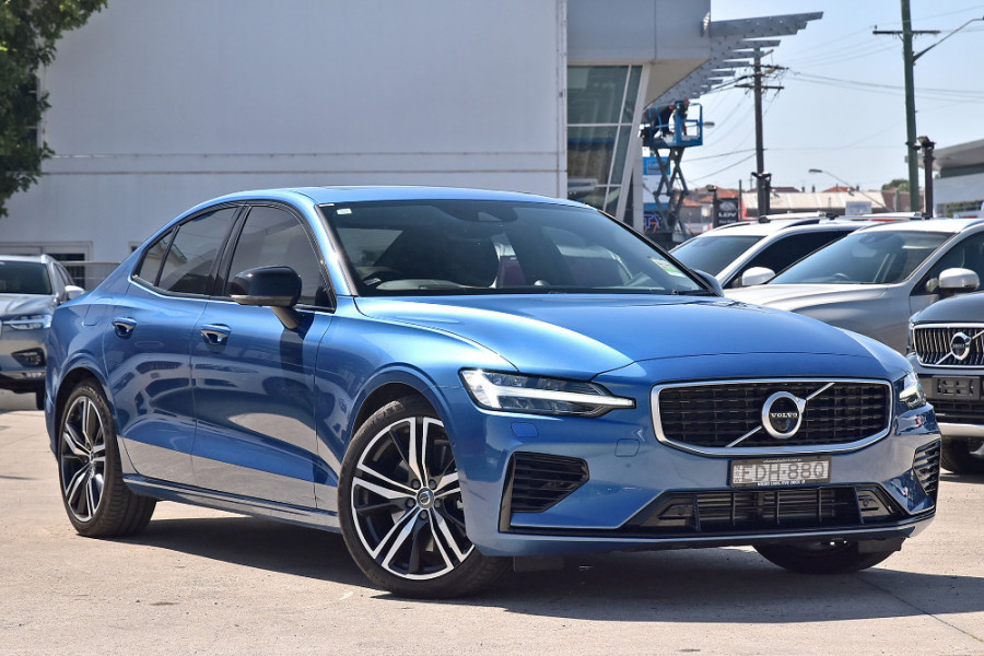 2020 Volvo S60 Z Series T8 R-Design Sedan Image 3
