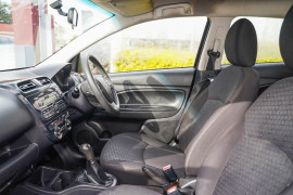 2014 Mitsubishi Mirage LA MY14 LS Hatchback Image 5