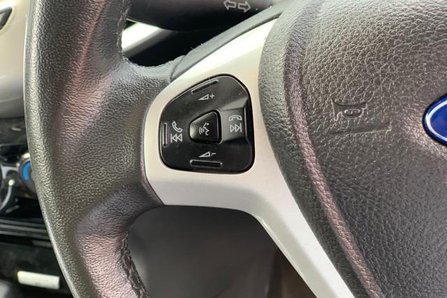 2015 Ford EcoSport Titanium 16 of 24