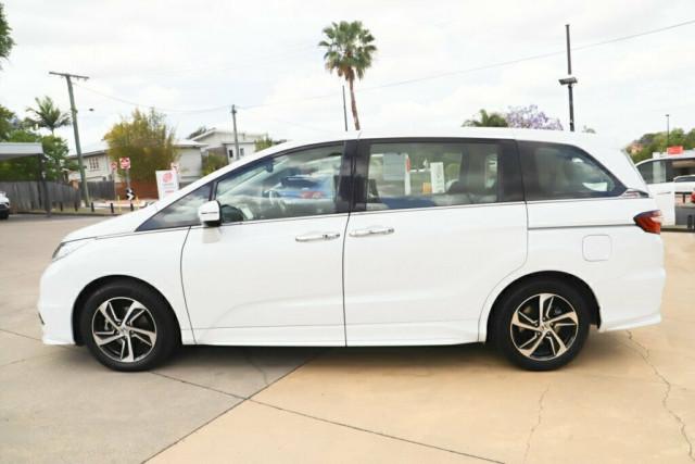 2015 Honda Odyssey 5th Gen VTi-L Wagon Image 4