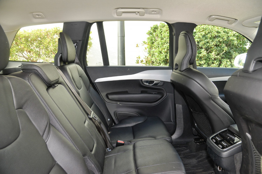 2018 MY19 Volvo XC90 L Series D5 Momentum Suv Image 9