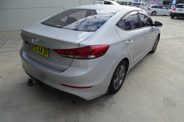 2016 Hyundai Elantra Active 13 of 27
