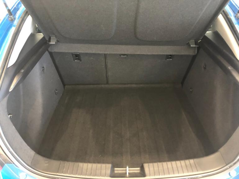 2013 Holden Cruze JH Series II Equipe Hatchback Image 16