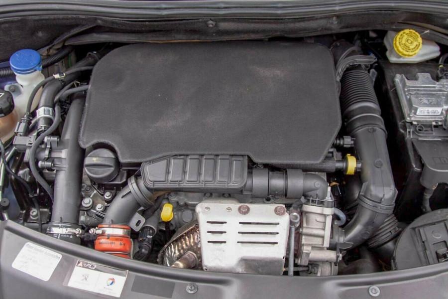 2015 MY16 Peugeot 208 MY16 Active Hatchback Image 21