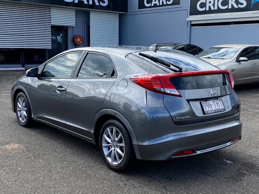 2013 Honda Civic 9th Gen  VTi-S Hatchback Image 5