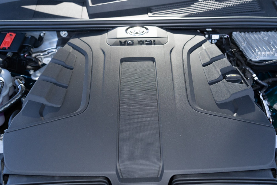2021 Volkswagen Touareg CR 170TDI Suv Image 21