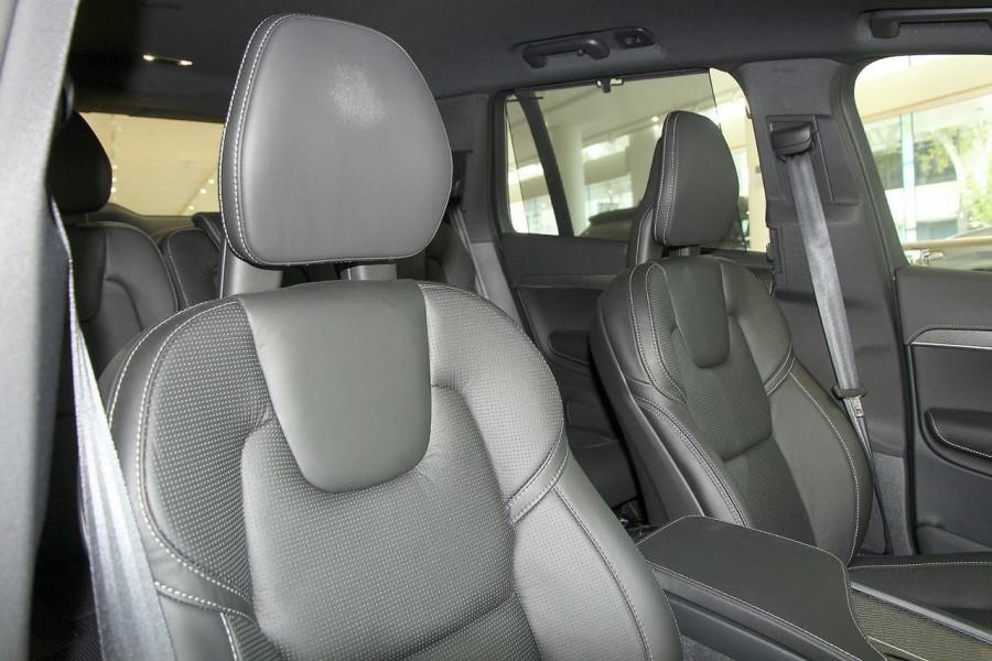 2019 Volvo XC90 L Series T6 R-Design Suv Image 6