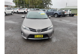 2015 Toyota Corolla ZRE182R Ascent Sport Hatch Image 2