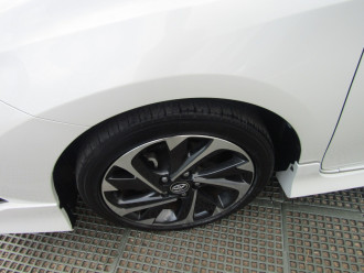 2016 Toyota Corolla ZRE182R SX Hatchback Image 5