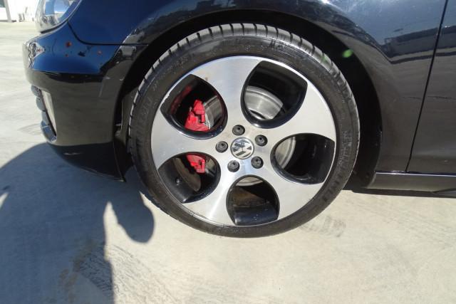 2010 Volkswagen Golf GTI 7 of 24