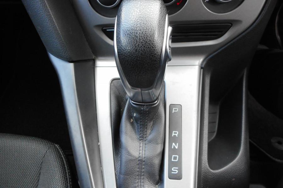 2012 Ford Focus LW  II AMBIENTE Hatchback Image 17