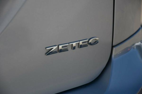 2009 Ford Focus LV Zetec Hatchback Image 4