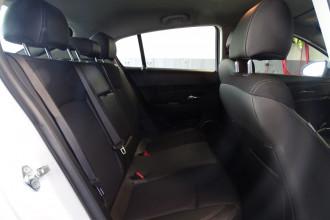 2015 Holden Cruze JH Series II  SRi Hatch