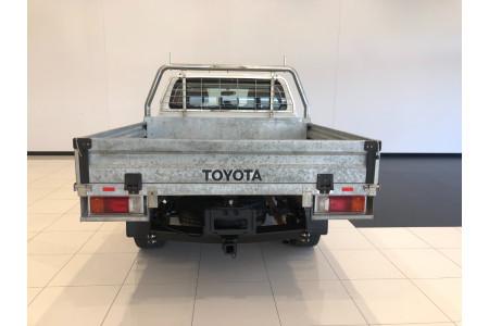 2018 Toyota HiLux GUN126R Turbo SR 4x4 d/c chassis Image 5