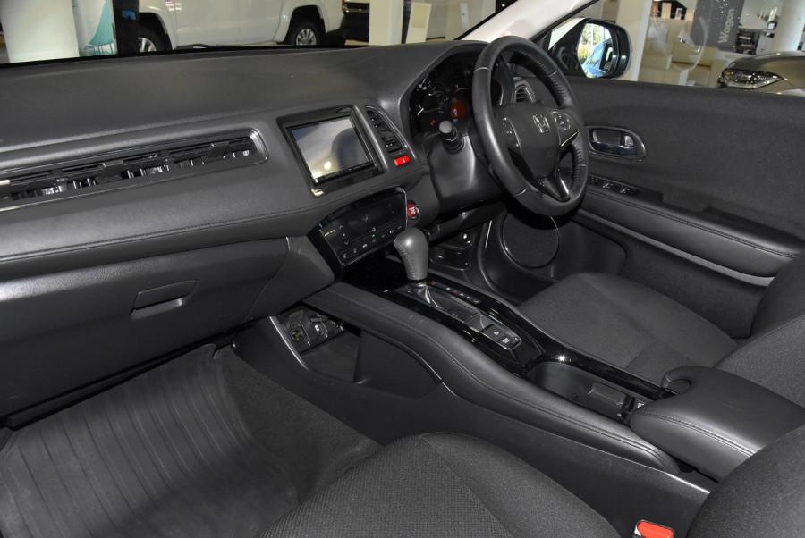 2015 Honda HR-V VTi-S Suv Image 8