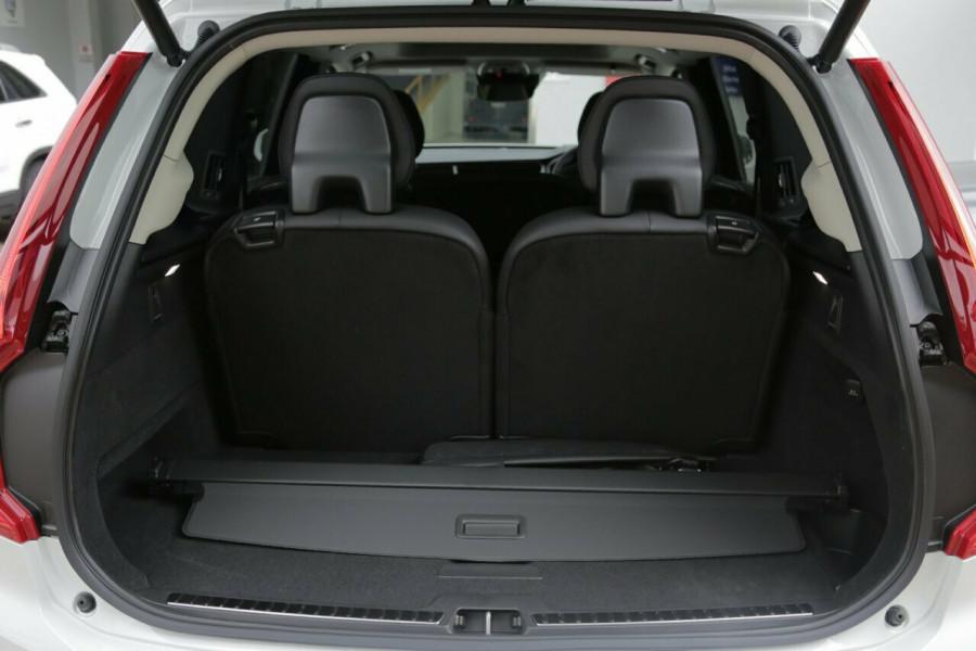 2019 MY20 Volvo XC90 L Series T6 Momentum Suv Mobile Image 19
