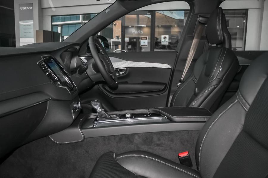 2021 Volvo XC90 L Series T6 R-Design Suv Image 8