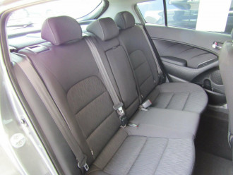 2015 Kia Cerato YD S Premium Hatchback image 20