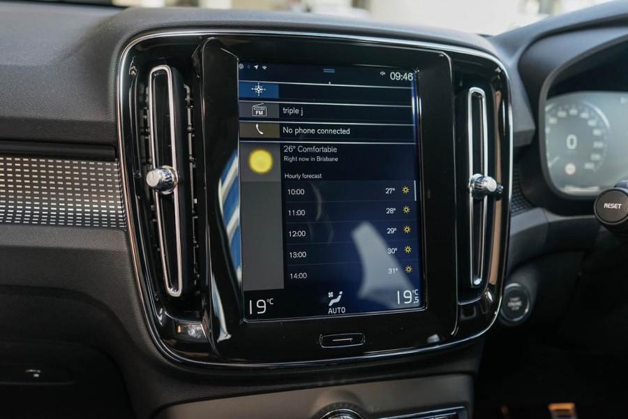 2019 Volvo XC40 XZ T5 R-Design Suv Mobile Image 12