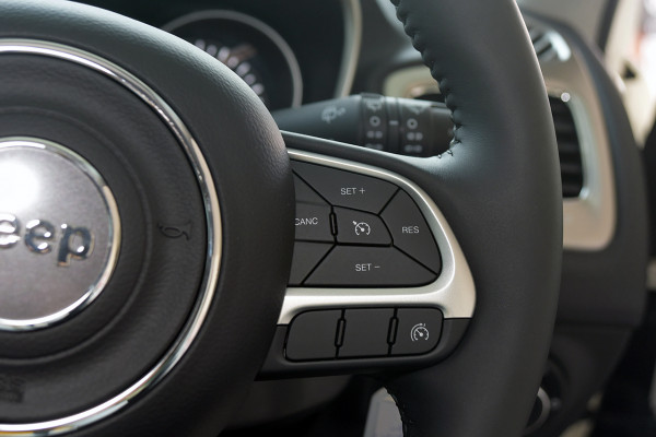 2019 MY18 Jeep Compass M6 Sport Suv