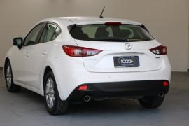 2015 Mazda 3 BM5476 Neo Hatchback Image 3