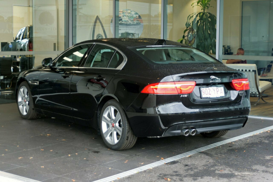 2016 MY17 Jaguar Xe X760 MY17 20d Sedan Mobile Image 7