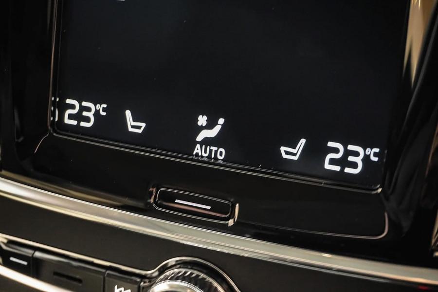 2018 Volvo V90 Cross Country D5 Inscription Wagon Mobile Image 15