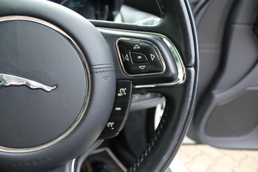 2015 Jaguar Xj X351 MY15 Premium Sedan Image 11