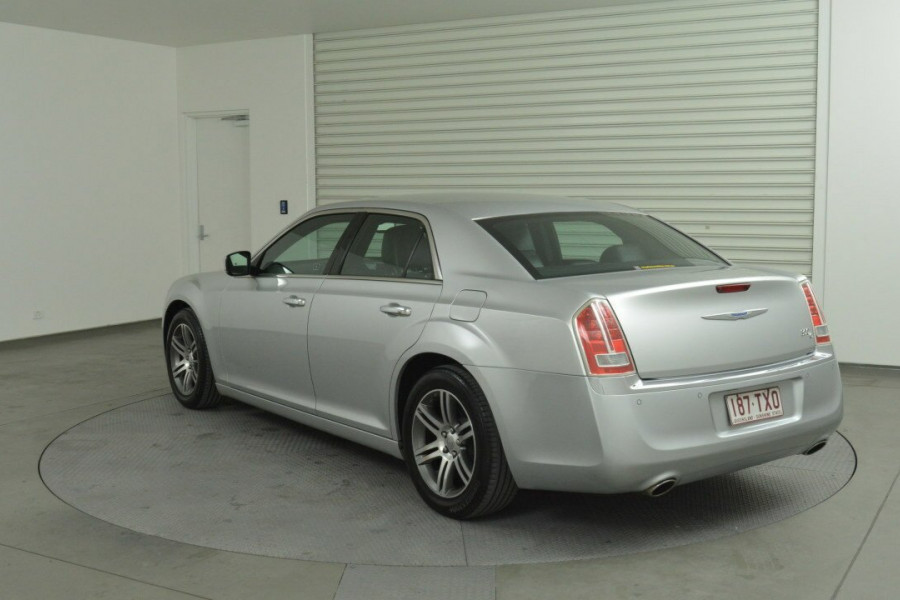 2013 Chrysler 300 LX C Sedan Mobile Image 6