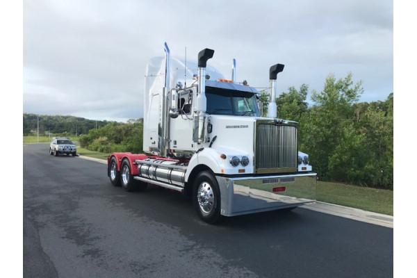 2021 Western Star 4864FXB DD15 Hydraulic truck crane Image 2