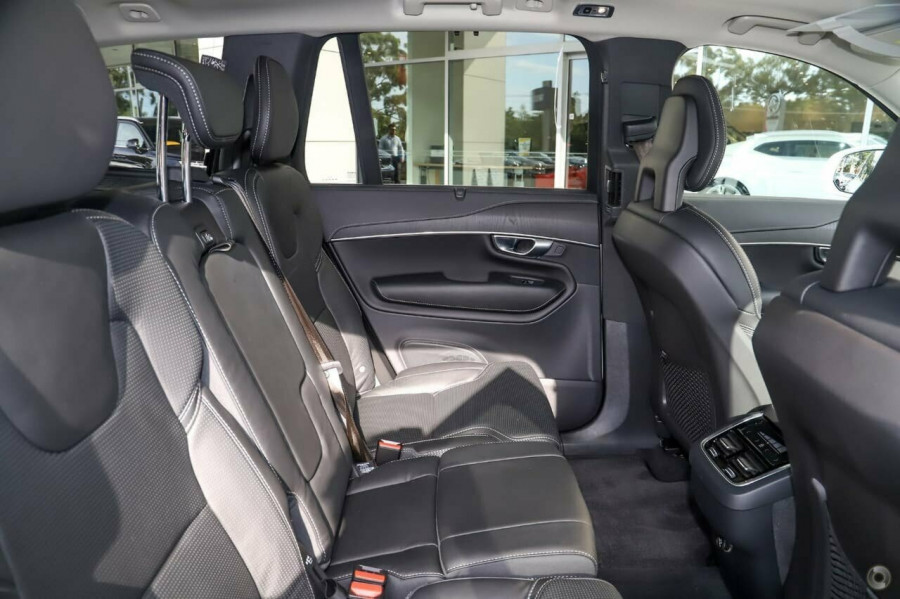 2021 Volvo XC90 L Series T6 Inscription Suv Image 8