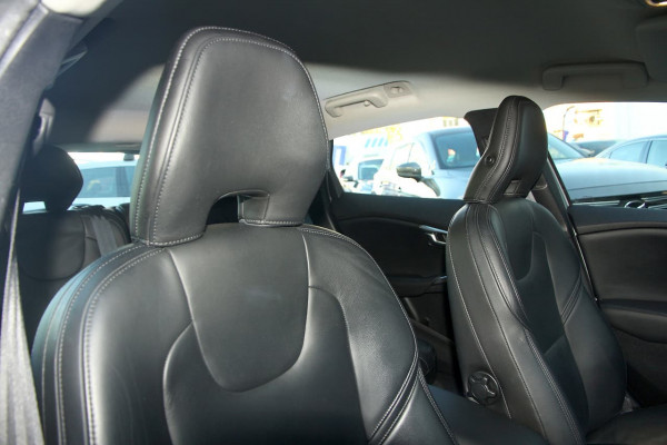 2013 Volvo V40 (No Series) MY13 T4 Luxury Hatchback Image 5