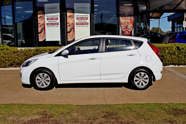 2015 MY16 Hyundai Accent RB3  Active Hatchback Image 5