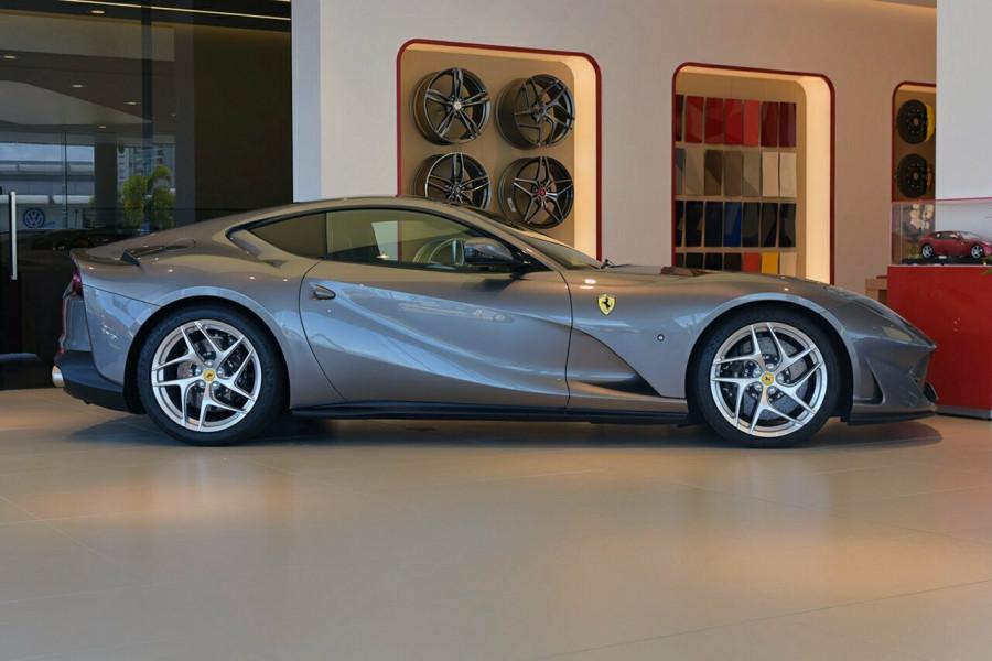 2017 Ferrari 812 Superfast F152M F152M Coupe Mobile Image 3
