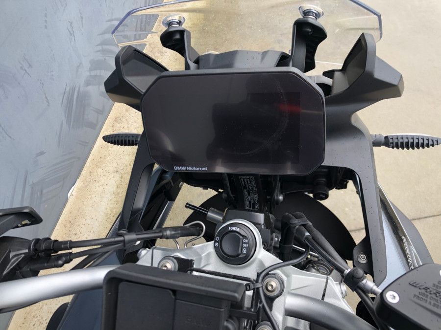 2020 BMW F750GS Tour Motorcycle Image 4