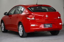 2015 Holden Cruze Vehicle Description. JH  II MY15 EQUIPE HBK 5DR SA 6SP 1.8I Equipe Hatchback Image 3