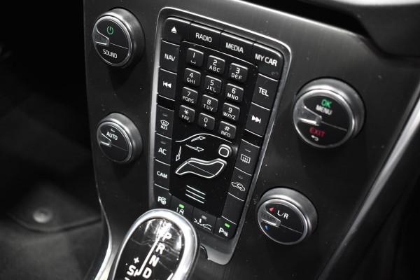 2014 Volvo V40 (No Series) MY15 D4 Luxury Hatchback Image 2